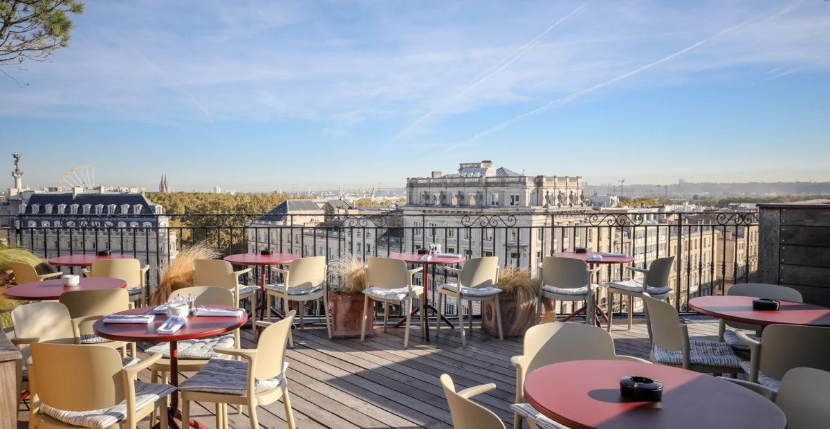 Terrazza con vista all'InterContinental Bordeaux – Le Grand Hotel